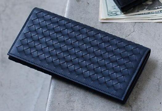 男士钱包怎么样?宝缇嘉( BV)120697 和土屋鞄制造所钱包那个好-1