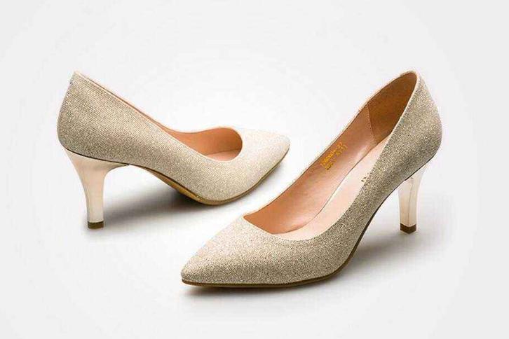 高跟鞋女鞋品牌大全?2018年女鞋的流行款式?-1