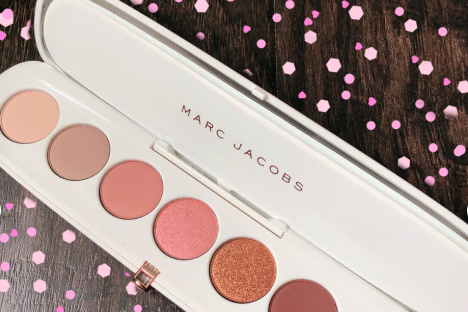 Marc Jacobs Fantascene眼影盘粉质软吗?有好的使用方法吗?-1