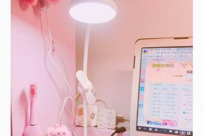 名创优品的台灯有几档调光?光线柔和吗?-1
