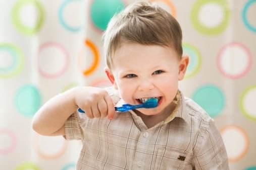 如何像美国人一样拥有一口洁白的牙齿和健康的口腔?-1