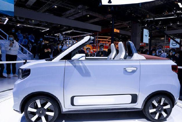 五菱宏光 MINI EV 敞篷版将在欧洲开卖,预计 2 万欧元起售-1