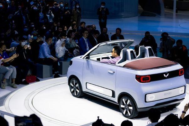 五菱宏光 MINI EV 敞篷版将在欧洲开卖,预计 2 万欧元起售-2